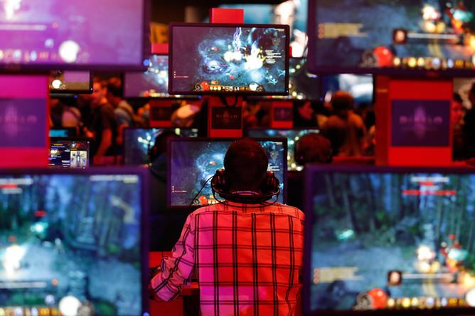 По итогам 2012 года рынок электронных развлечений впервые опередил кино