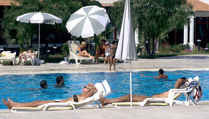 Туристы массово бегут с затянутых дымом курортов Турции