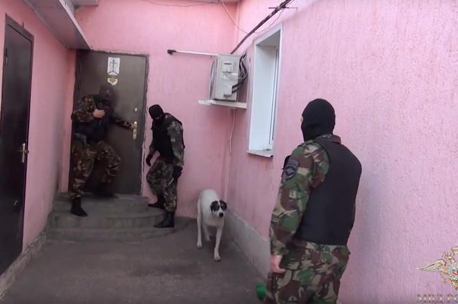 Задержание членов «Христианского государства» (кадр из видео)