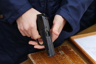 «Не смей лезть»: офицер ФСО напал на начальника с пистолетом