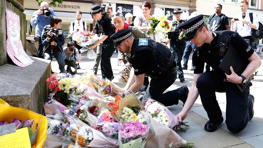 Два года назад в Манчестере теракт на концерте Арианы Гранде унес 22 жизни