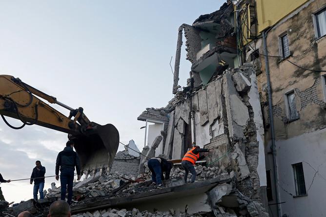 Последствия землетрясения в албанском городе Тумане, 26 ноября 2019 года