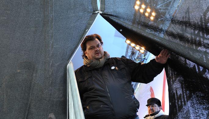 Спортивный комментатор Василий Уткин после выступления на оппозиционном митинге «За честные...