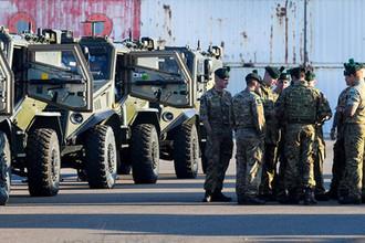 Британские и ирландские военнослужащие в Нидерландах во время движения на учения НАТО, 10 октября 2018 года