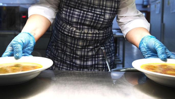 Тысячи жалоб: россияне недовольны качеством школьного питания