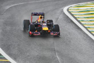 Себастьян Феттель стал победителем дождливой квалификации Гран-при Бразилии