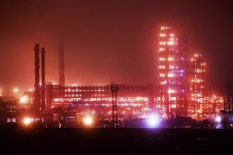 Вид на Московский нефтеперерабатывающий завод