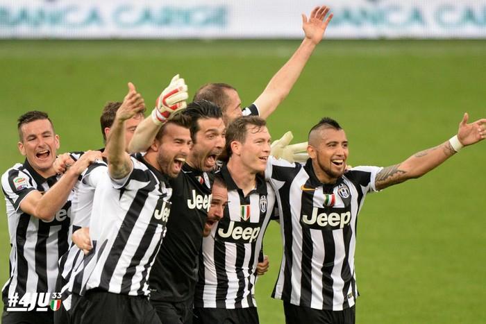 «Ювентус» празднует свое 33-е чемпионство в Италии. Последние четыре года у...