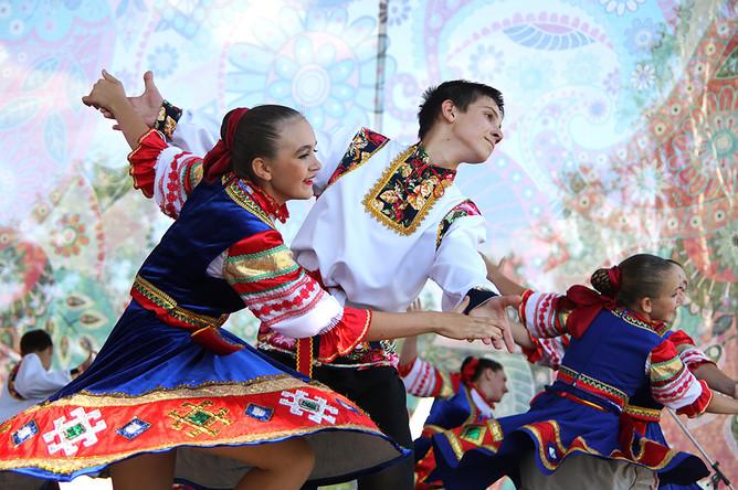 Участники IV межрегионального творческого фестиваля славянского искусства «Русское поле»