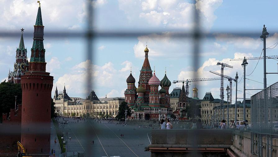 FT рассказала о двух подходах к санкциям против России в США