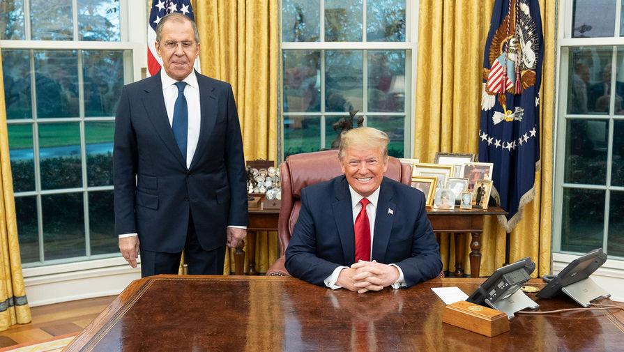 «Ноги на мировом столе»: Захарова о политике США