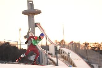 Российский лыжник Александр Большунов в мужской эстафете на Олимпиаде-2018