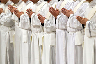 «Застрял в лифте»: как папа Римский опоздал на мессу