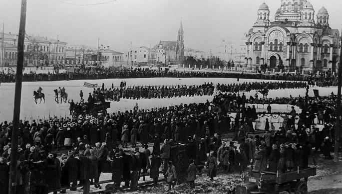 Гражданская война в России 1918-1920 гг. Вступление частей 5-й Рабоче-Крестьянской Красной Армии в Иркутск, 1920 год