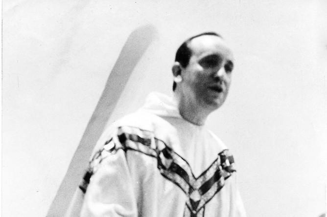 Аргентинский кардинал Хорхе Бергольо (ныне: папа римский Франциск) в молодости