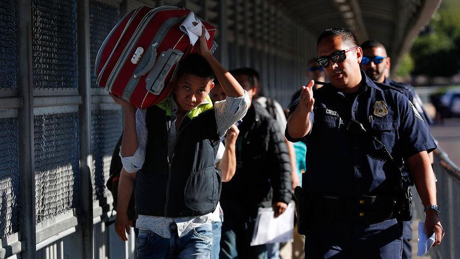 Закрытие Америки: как мигранты раскололи США