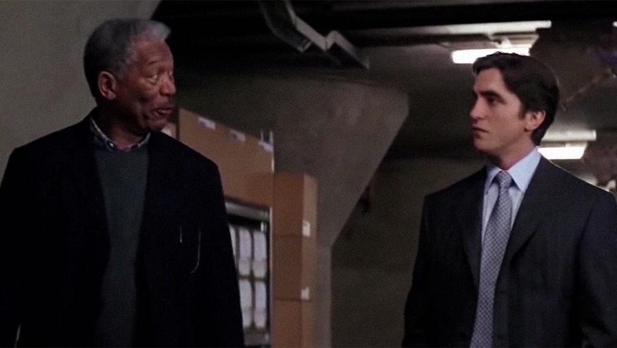 Лицо Кристиана Бэйла в «Бэтмене: Начало» заменили на лицо Роберта Паттинсона