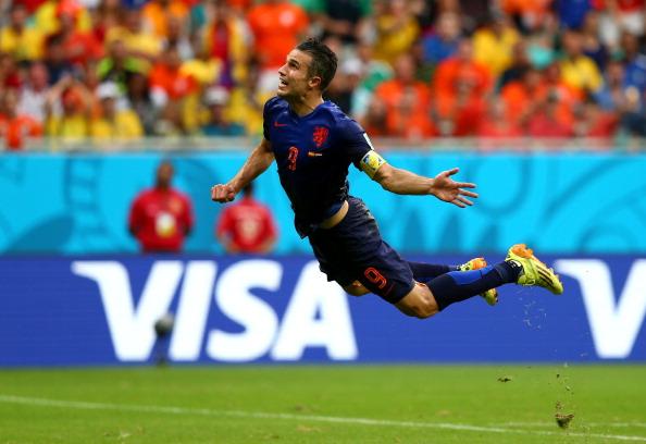 Робин ван Перси уже нанес удар по испанским воротам на чемпионате мира, но еще летит