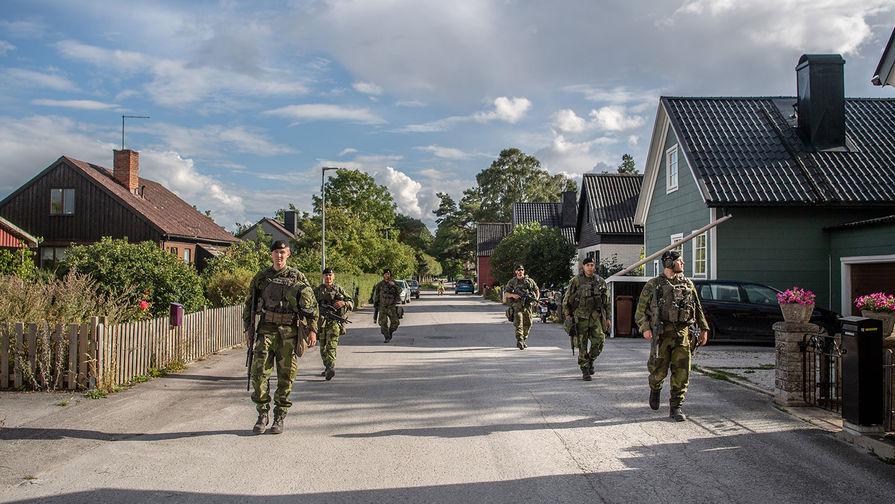 На всякий случай: Швеция привела войска в боевую готовность