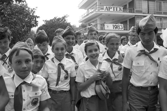 Американская девочка Саманта Смит во Всесоюзном пионерском лагере «Артек», июль 1983 года