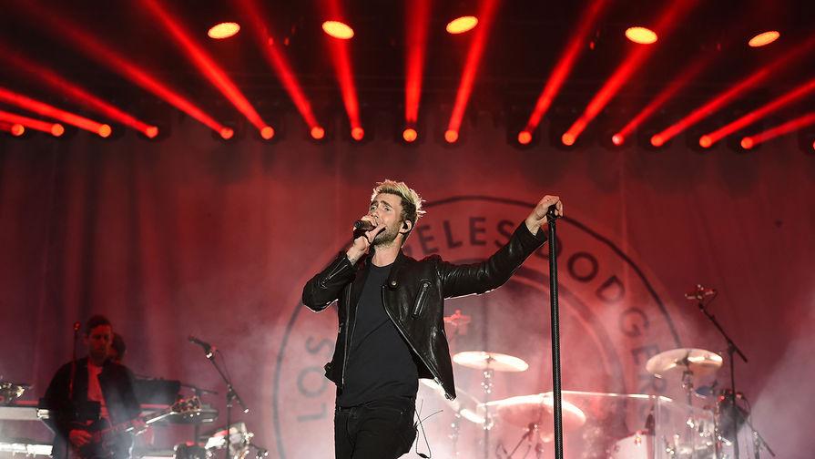 Maroon 5 выступит в перерыве 53-го Супербоула