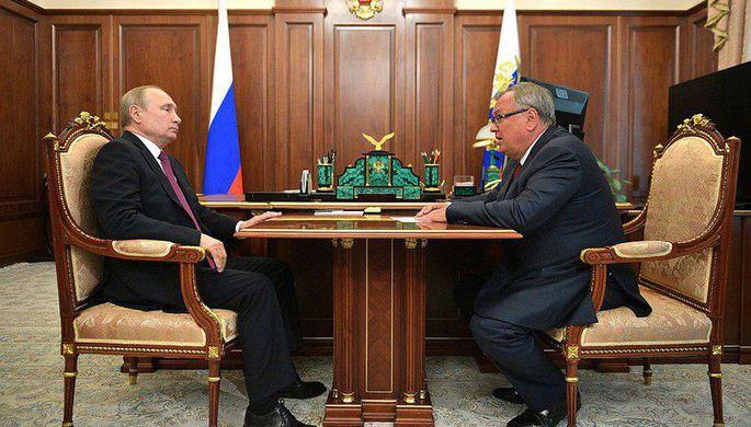 Путин провел рабочую встречу с главой ВТБ Костиным