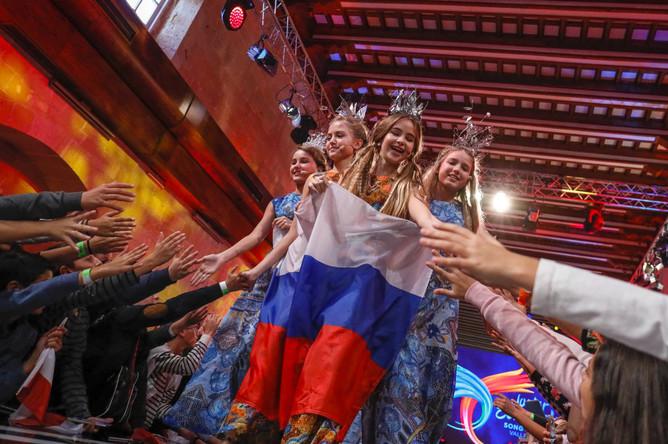 Участники конкурса из России — проект «Академии популярной музыки Игоря Крутого» «Живая вода»
