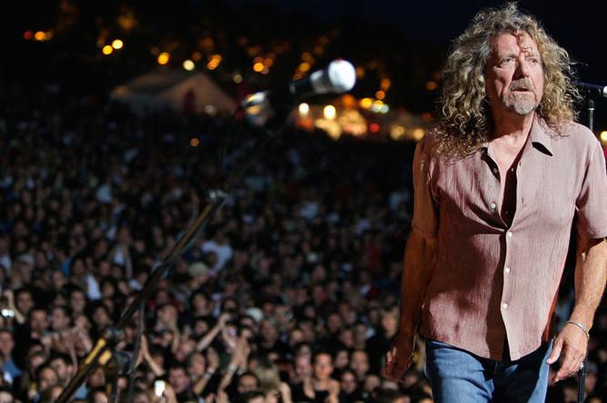 Роберт Плант во время выступления на фестивале Paleo в Швейцарии, 2007 год