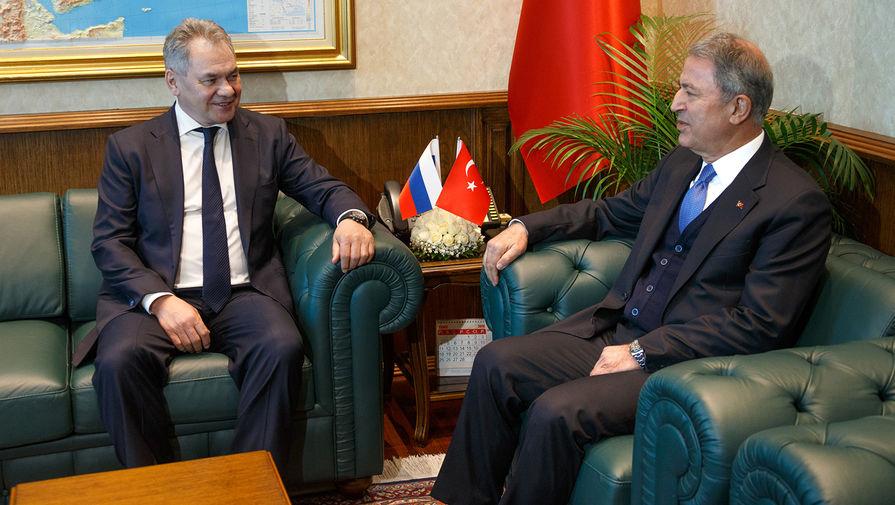 Прекратить огонь: Шойгу обсудил Карабах с турецким коллегой
