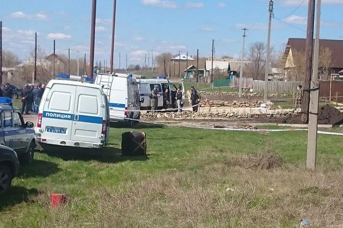 На месте убийства экс-главы полиции Сызрани Андрея Гошта и его семьи в селе Ивашовка