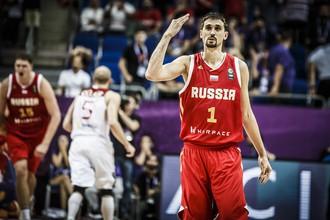 Сборная России по баскетболу одержала тяжелую победу над Турцией на старте Евробаскета-2017