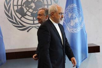 Глава МИД Ирана Джавад Зариф и генсек ООН Антониу Гутерреш в штаб-квартире организации в Нью-Йорке, 17 июля 2017 года