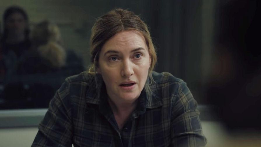 Кадр из сериала «Кобылка Исттауна» (2021)