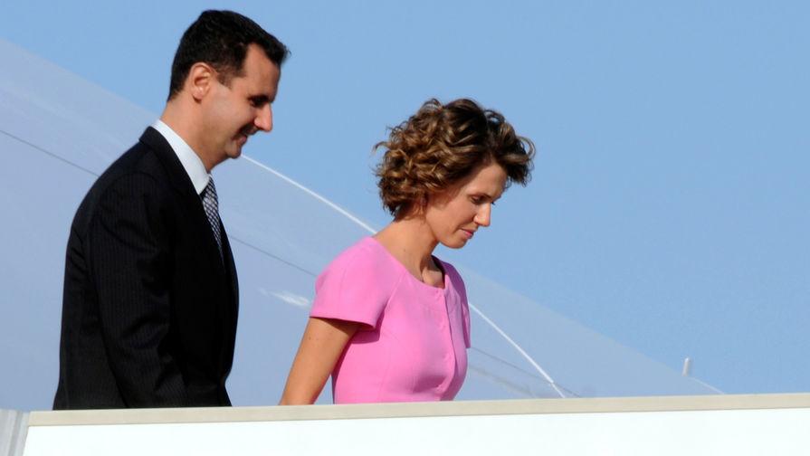 Президент Сирии Башар Асад с супругой Асмой во время визита в Тунис, 2010 год