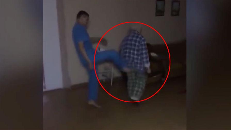 Закидали тапками: как в Магнитогорске глумились над пациентом