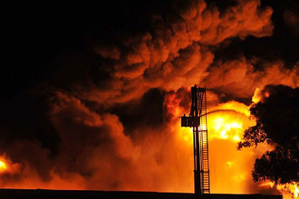 Крупный пожар произошел на нефтеперерабатывающем заводе Cherry Point