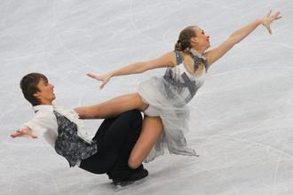 Чемпионы мира среди юниоров Виктория Синицына и Руслан Жиганшин катаются по-взрослому