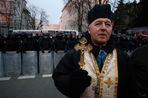 Борис Фаликов о том, почему на Украине церковь предпочитает быть с народом