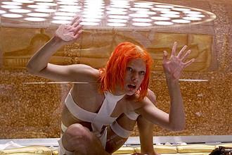 Кадр из фильма «Пятый элемент» (1997)