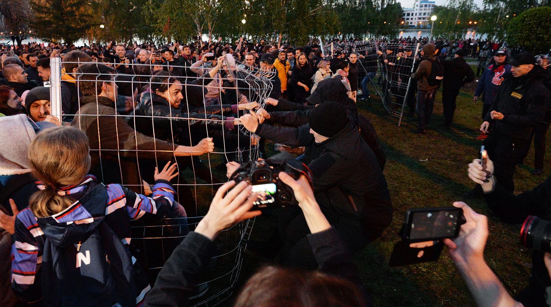 Власти отчитались о задержаниях протестующих против храма в Екатеринбурге