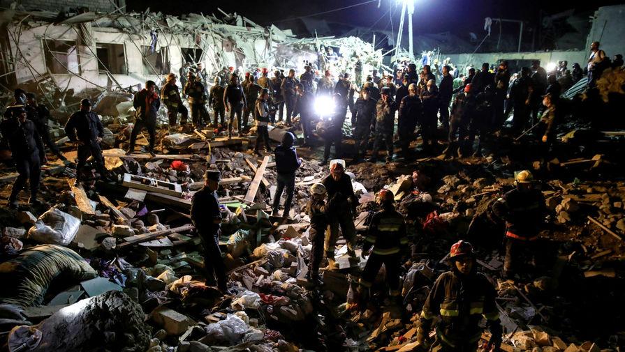 Ночной обстрел: десятки погибших и раненых в Гяндже
