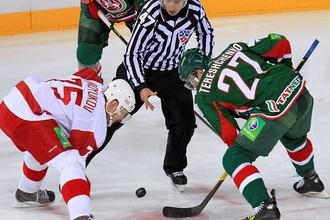 Подольские «витязи» отыгрались с 0:3 и переиграли казанского фаворита