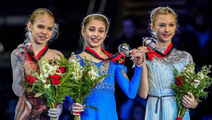 Фигуристки Алена Канышева, Алена Косторная и Александра Трусова