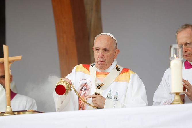 Папа Римский Франциск во время службы в Румынии, 1 июня 2019 года