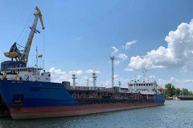 Российский танкер Nika Spirit (Neyma) в украинском порту Измаил, 25 июля 2019 года