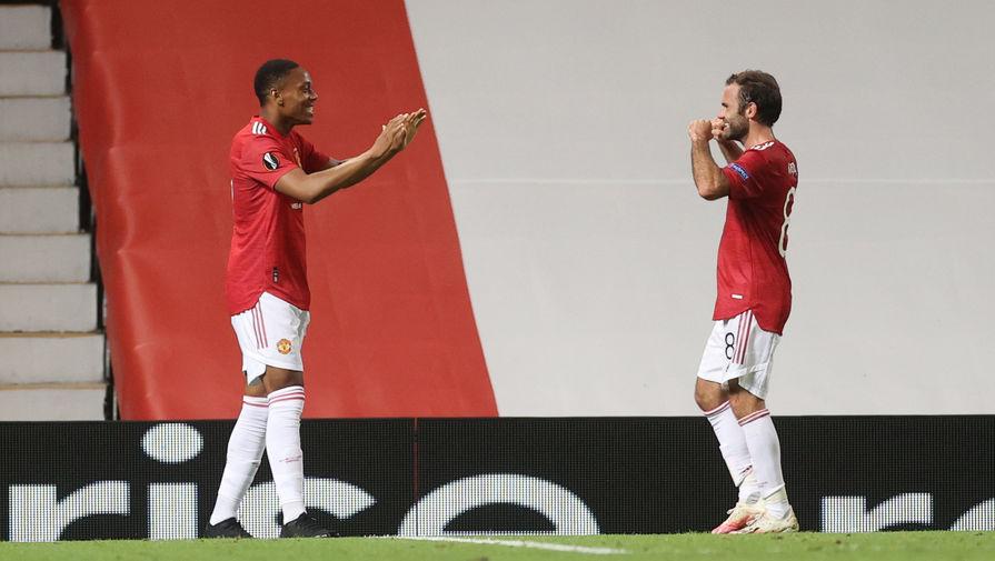 Игроки «Манчестер Юнайтед» празднуют гол