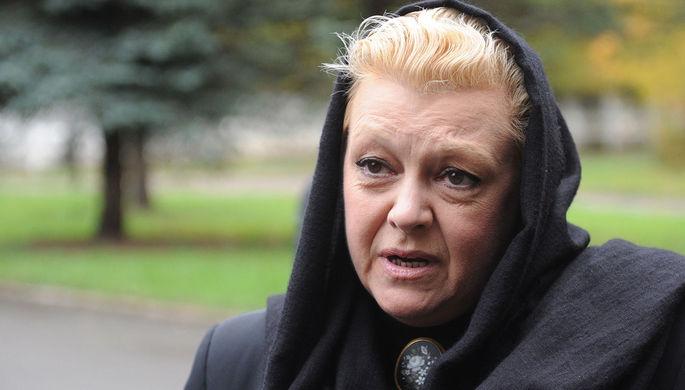 «Ставят условия»: Дрожжина возмутилась поведением дочери и вдовы Баталова