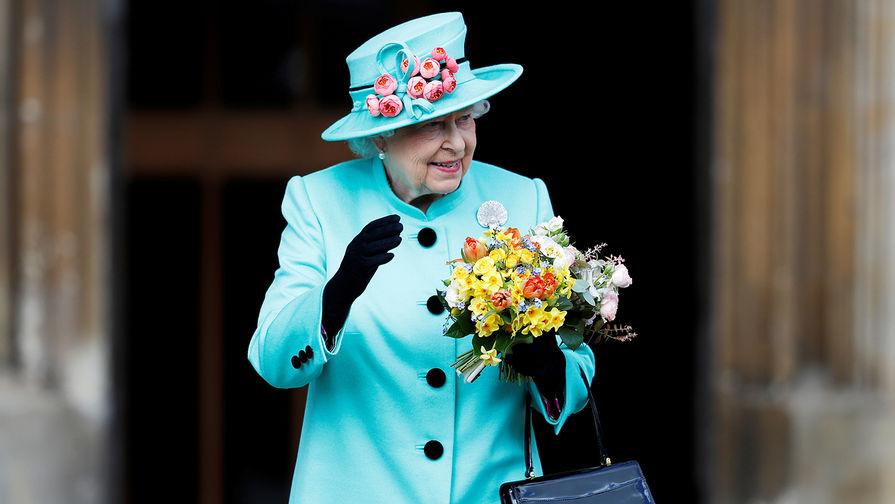 Королева Великобритании Елизавета в замке Виндзор