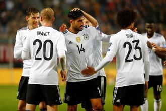 Футболисты сборной Германии в матче с Азербайджаном