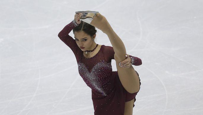 Евгения Медведева лидирует перед произвольной программой у женщин на чемпионате Европы по фигурному катанию